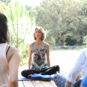 TillyLou James teaching a yoga class for the Buttafly Crowdfunder campaign